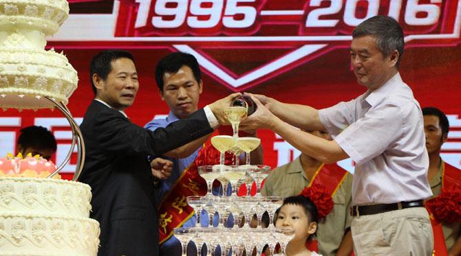 缪斌夸奖理想卫浴是中国卫浴行业最优秀的企业