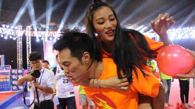 玩疯了!马可波罗男篮在深圳举行球迷嘉年华
