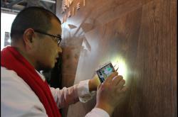 东和广州设计周首推原木大板 花色、肌理完全吻合