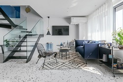 加西亚瓷砖案例 | 这间60㎡的克莱因蓝小公寓,竟只是个短租房!