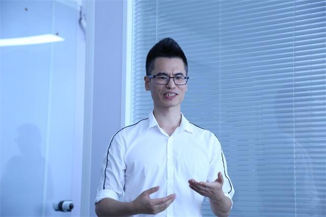 2、BQT包清贴总经理姚水平指出,举办大板免费公开课,是用服务为大板营销创造价值.JPG