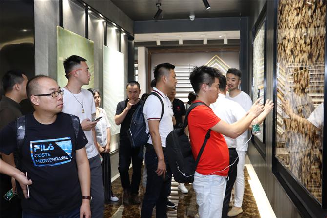 设计师大咖们参观博德展厅 (4).jpg