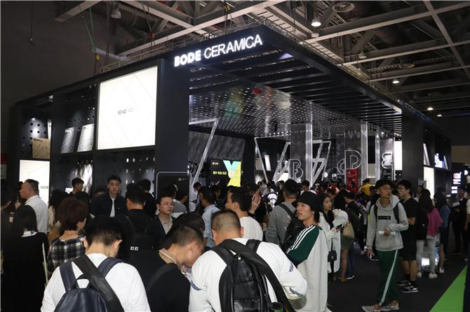 1、2018广州设计周是什么让博德展馆人气爆棚.JPG