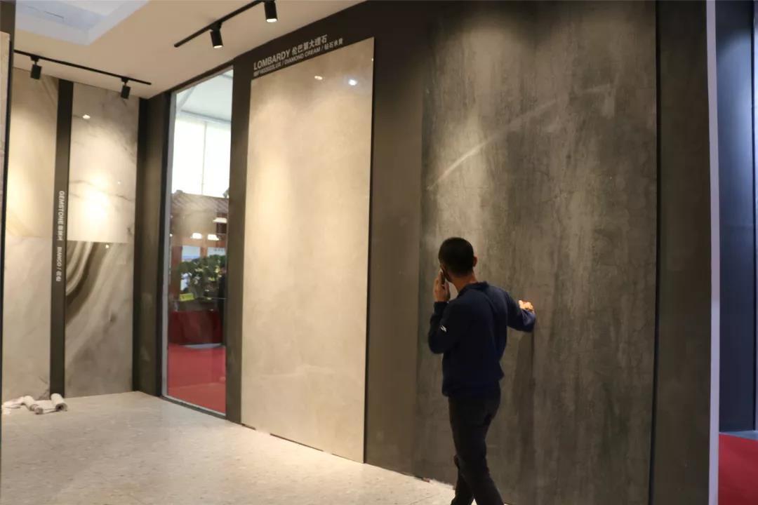 晋江家博会首日人气旺!速览福建瓷砖嬗变史...