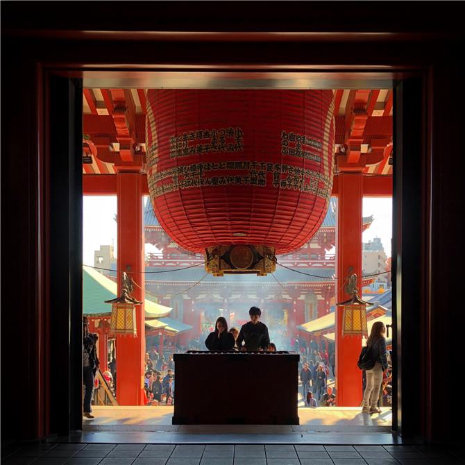 10寺内随处可见的大灯笼.jpg